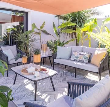 Outdoor canapé, fauteuils, chaises